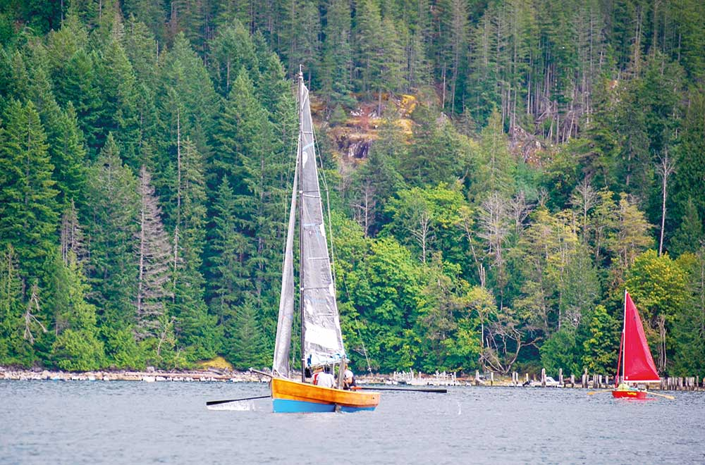 Barefoot Raid Sail towards squirrel cove