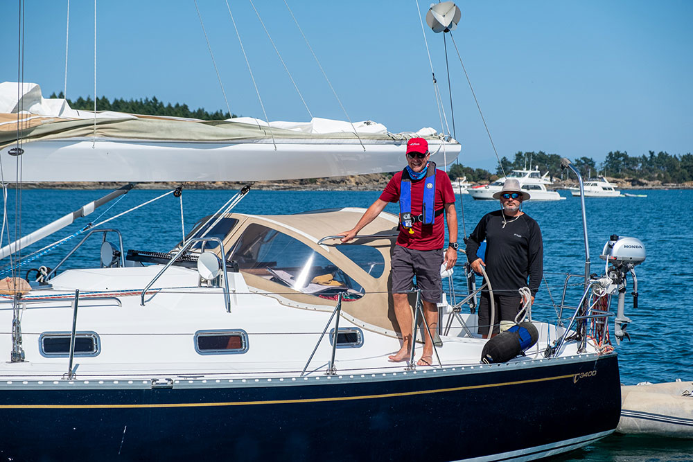 Tartan 3400, Rugosa, in the capable hands of Ed and JP readying to join the raft-up.