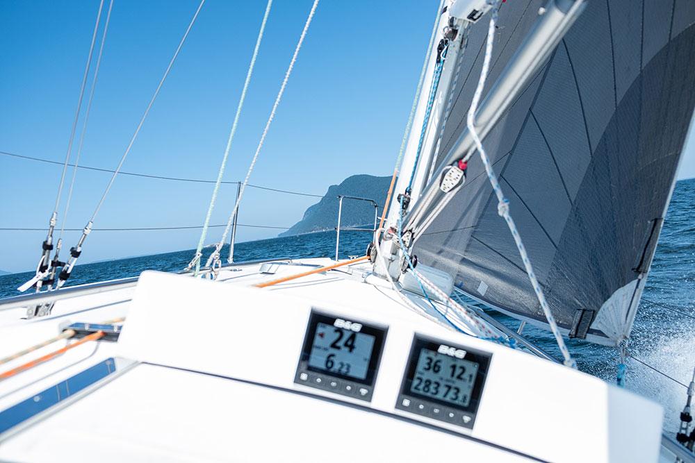 Sailing north toward Lummi Island on the J/105, Kinetic.